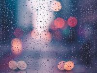 青春是大雨滂沱的伫立