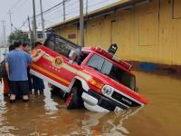 为救灾消防车开锁,锁匠该不该收费?