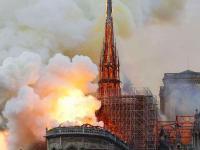 此刻,人类的惋惜在巴黎相遇